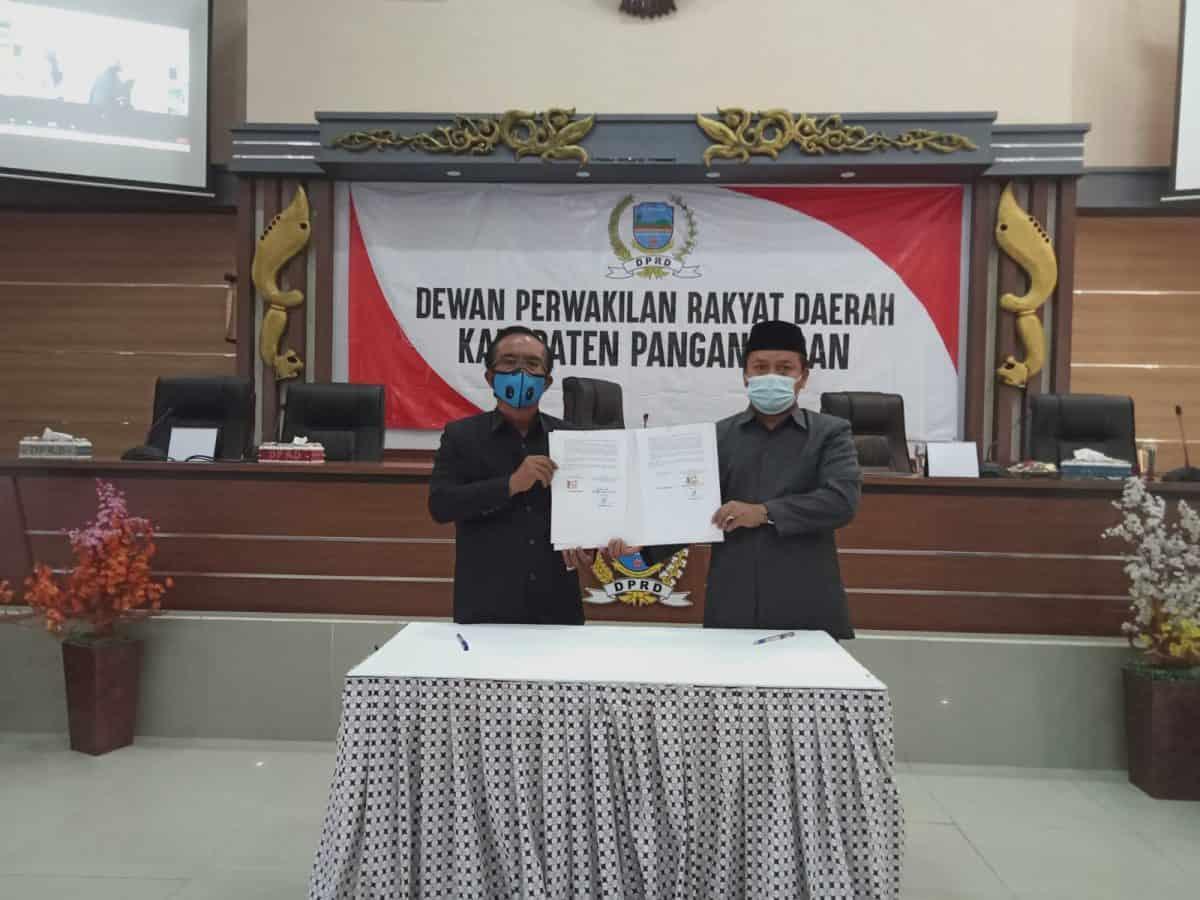 DPRD Pangandaran Setujui Raperda Tentang Pertanggungjawaban Pelaksanaan Anggaran Pendapatan dan Belanja Daerah Tahun 2020 Menjadi Perda